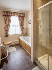 Bathrooms at Fords Farm bed and breakfast Ewelme Oxfordshire
